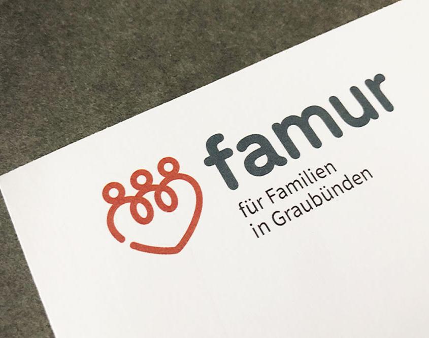 Logo famur - für Familien in Graubünden
